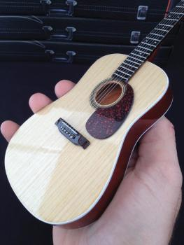 Natural Finish Acoustic Model: Miniature Guitar Replica Collectible (HL-00124294)